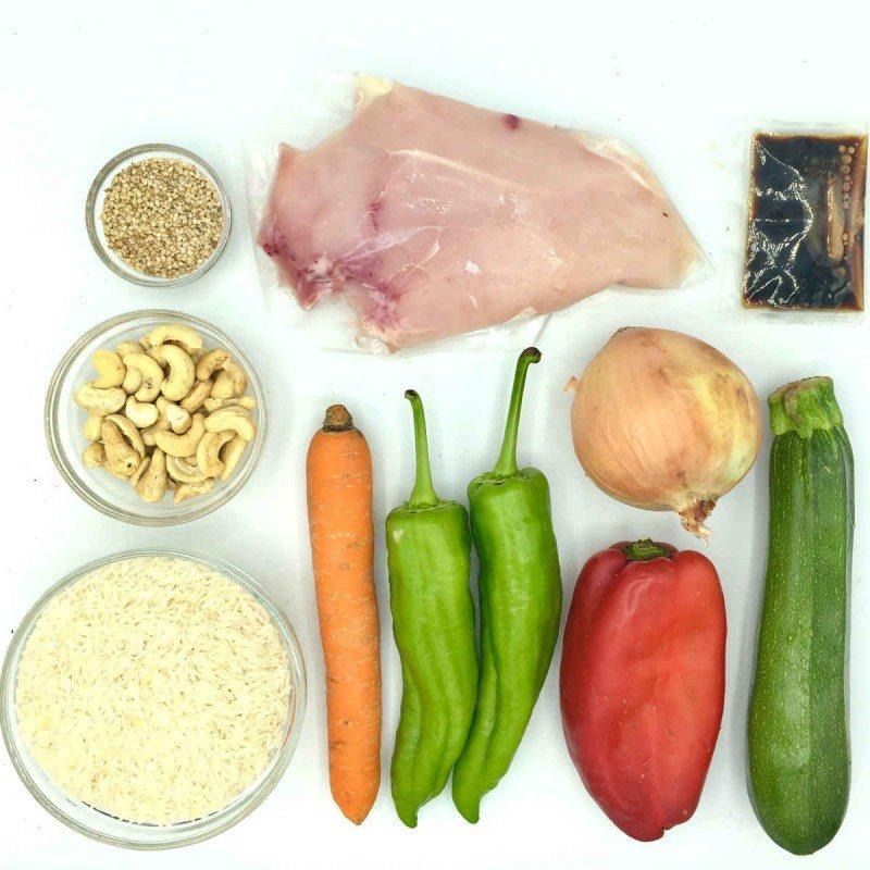 Pack de Wok de verduras con pollo, anacardos y arroz thai